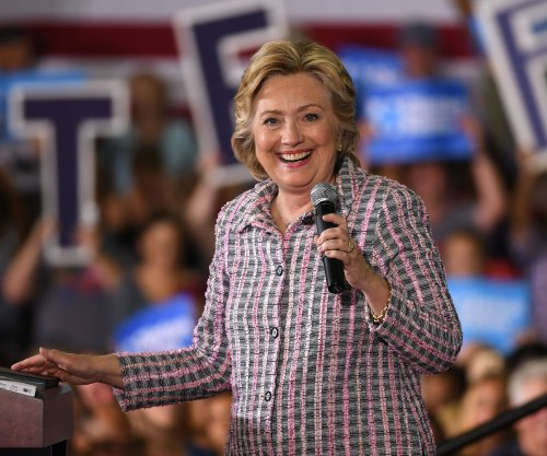 Hillary Clinton vows to hold Wells Fargo, other firms accountable