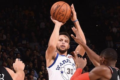 Golden State Warriors, Stephen Curry have 49-point rout of Chicago Bulls