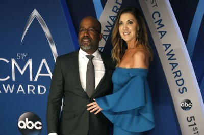 Darius Rucker, wife Beth 'consciously uncouple'