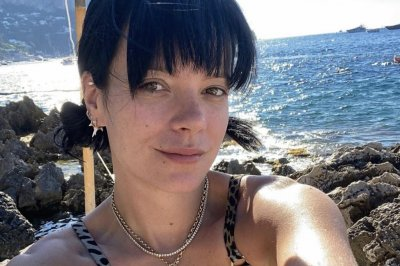 Lily Allen celebrates one year of sobriety: 'So grateful'