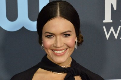 Mandy Moore changes birth plan after platelet count drops