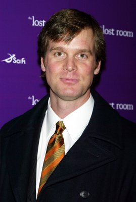 Peter Krause lands 'Beastly' role