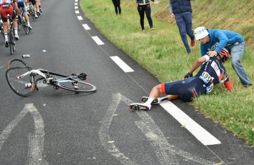 Crash mars Tour de France 3rd stage