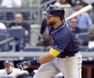 New York Mets acquire 1B James Loney from San Diego Padres