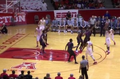 No. 19 SMU takes down Houston
