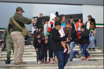 On other side of border, Mexico detaining thousands of migrant children