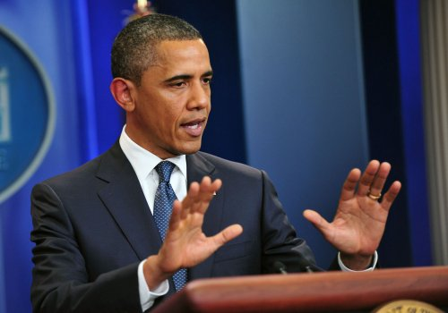 Obama holds slim lead over Bachmann, Perry