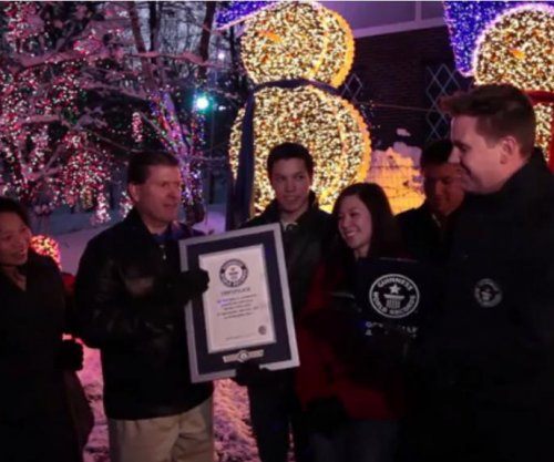 Holiday display breaks Guinness record for lights