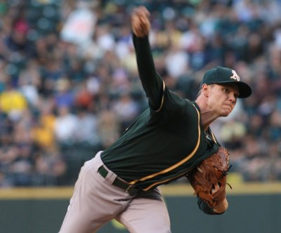 Houston Astros remain in contact with Oakland Athletics for RHP Sonny Gray