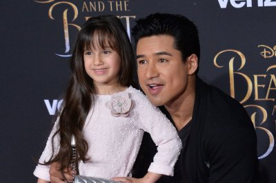 Mario Lopez to host new game show 'Candy Crush' for CBS