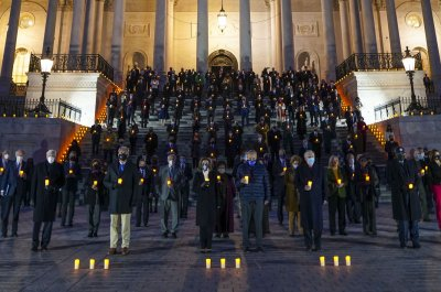 Congress holds candlelight vigil for American lives lost to COVID-19
