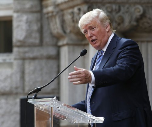 Donald Trump considering 2016 presidential campaign 'very seriously'