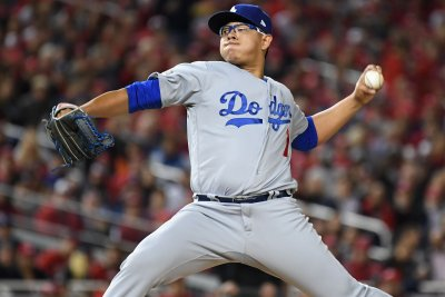 NLCS Game 4: Cubs elder John Lackey faces Dodgers' Julio Urias, youngest playoff starter