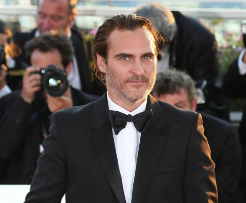 Joaquin Phoenix, Rooney Mara debut as couple at Cannes