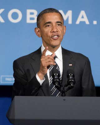 Obama downplays debate; Christie hypes it