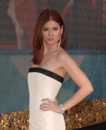 Stars return for 'Starter Wife' series