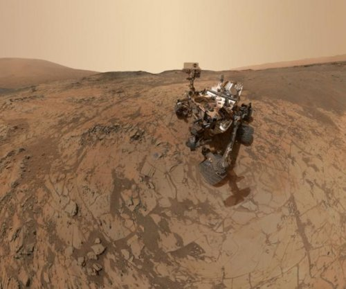 Curiosity takes selfie on Mars' Mount Sharp