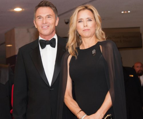 Tea Leoni and Tim Daly make their debut as a couple at the White House Correspondents' Dinner