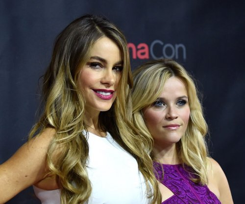 Sofia Vergara, Reese Witherspoon lip synch to Taylor Swift