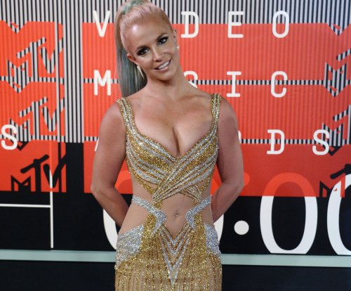 Britney Spears explains People's Choice Awards absence