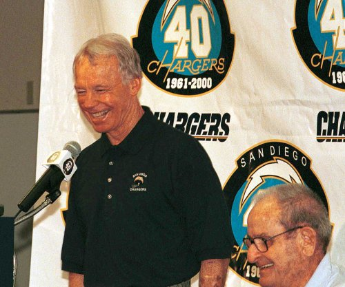 Washington Redskins to induct ex-GM Bobby Beathard into Ring of Fame