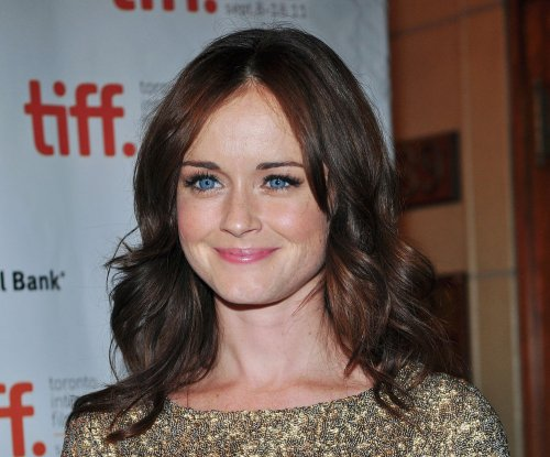 Alexis Bledel says Rory will have 'closure' with her 'Gilmore Girls' love interests