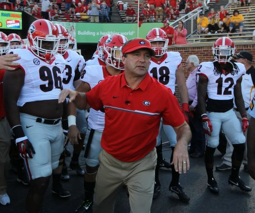 No. 7 Georgia Bulldogs surge into game at Tennessee Volunteers
