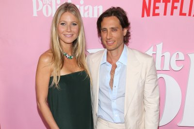 Gwyneth Paltrow, Brad Falchuk spend first wedding anniversary at beach