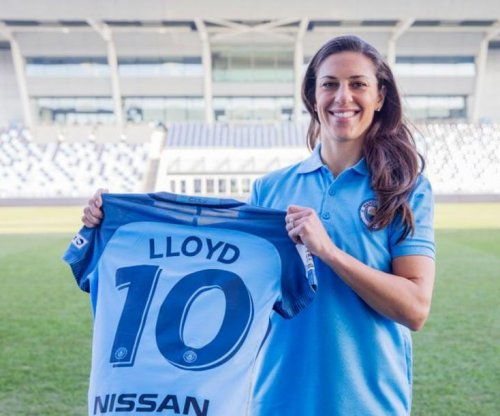 Carli Lloyd signs with Manchester City, joins USWNT exodus to Europe