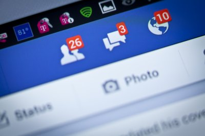U.S. Supreme Court weighs N.C. law banning sex offenders from social media