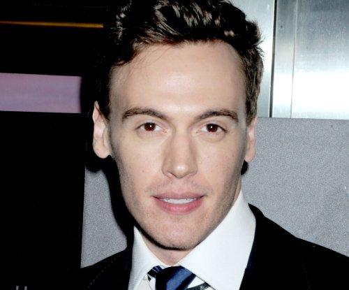 'Madam Secretary' actor Erich Bergen to make Broadway debut in 'Waitress'