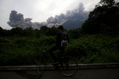 At least 25 dead after volcano erupts in Guatemala