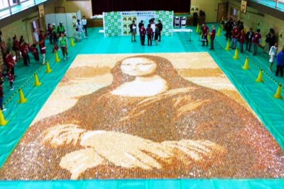 Mona Lisa rendering sets record for largest rice cracker mosaic
