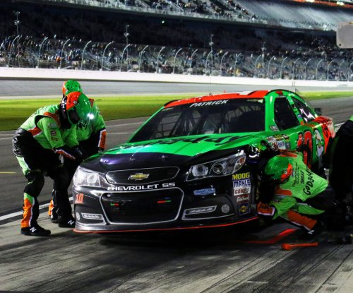 Danica Patrick wrecks in Daytona practice, goes to backup car