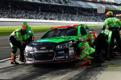 Danica Patrick wrecks in Daytona practice, goes to backup car