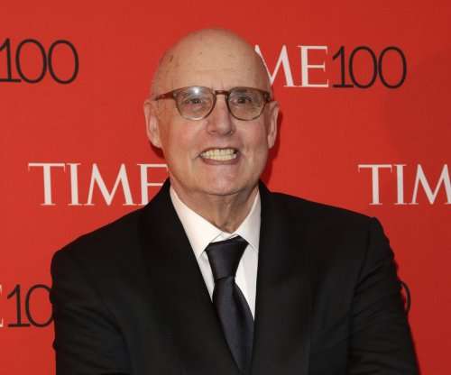 Amazon orders third season of Jeffrey Tambor's 'Transparent' series