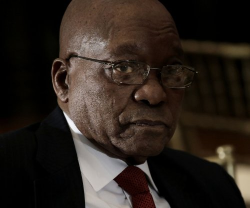 South Africa President Zuma survives no-confidence vote