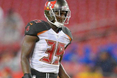 Isaiah Johnson: Tampa Bay Buccaneers promote safety to active roster