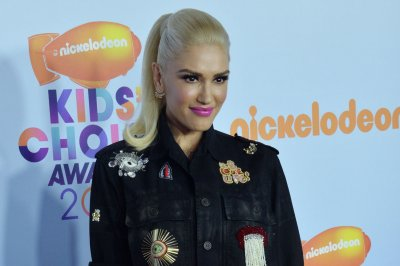 Gwen Stefani says she had the 'best Thanksgiving' with beau Blake Shelton