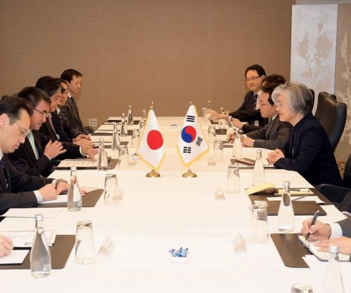 South Korea, Japan to cooperate on North Korea despite friction