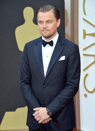 Leonado DiCaprio spotted dancing at Coachella [VIDEO]