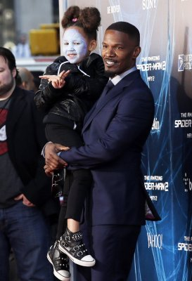 Jamie Foxx's daughter wears Electro makeup to the 'Amazing Spider-Man 2' premiere