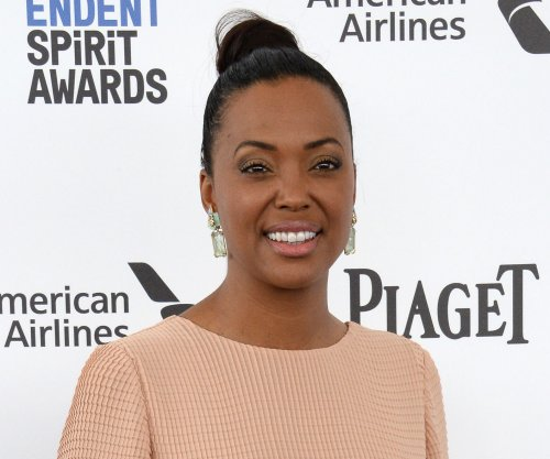 Aisha Tyler gives tearful speech about her divorce on 'The Talk'