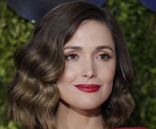 Cannes: Rose Byrne enters negotiations for 'Home Again'