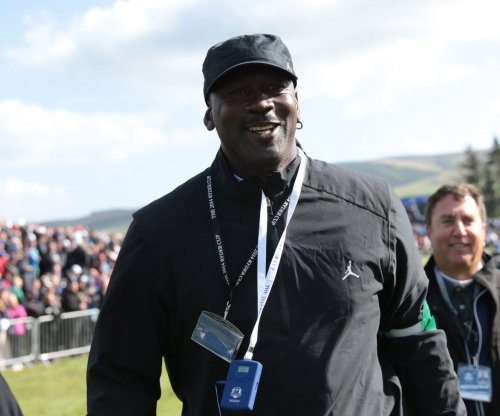 Michael Jordan not a fan of NBA super teams; smokes six cigars a day