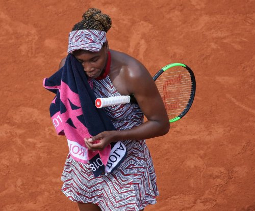 2018 French Open: Venus out, Djokovic cruises
