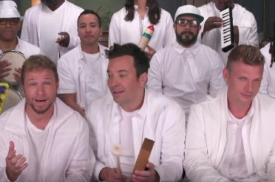 Backstreet Boys, Fallon perform with classroom instruments