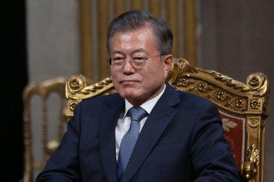 Prosecutors raid South Korean presidential office in surveillance probe