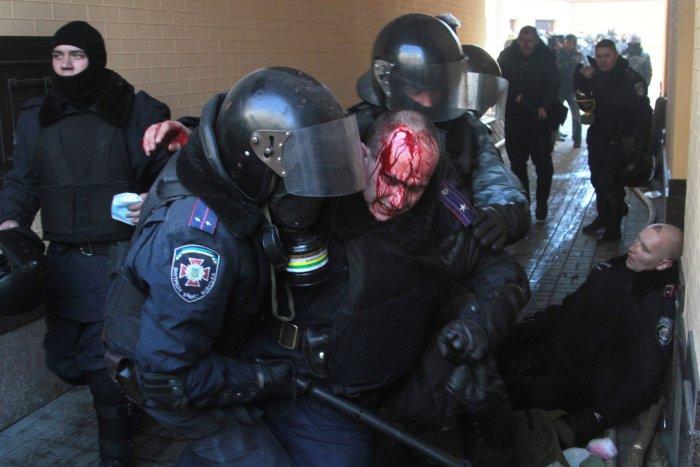 On This Day: Dozens die in Kiev, Ukraine, protests