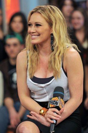 'Lizzie McGuire' star Duff plans TV return